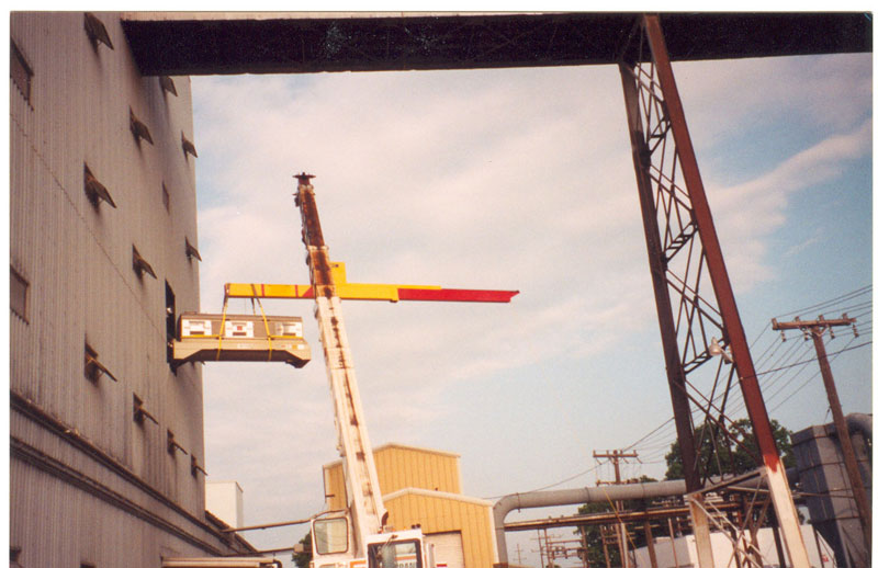 Selby S Arm Lifting Beam Keeping Operators Handlers And